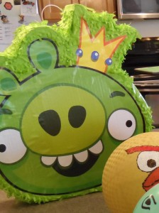 Angry Birds pinata. Perfect for Angry Birds Birthday party. www.thejoysofboys.com