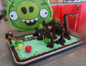 Playable Angry birds cake