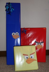 Angry Birds presents. Perfect for Angry Birds birthday party. www.thejoysofboys.com