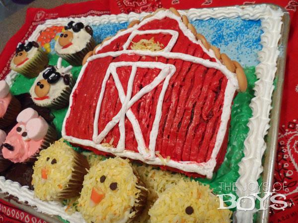 Farm birthday cake for a farm party.