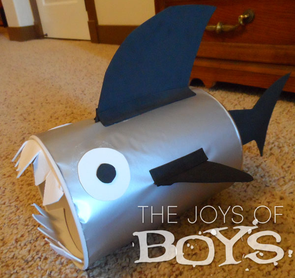 Shark Valentine Box-Easy Valentine boxes for boys