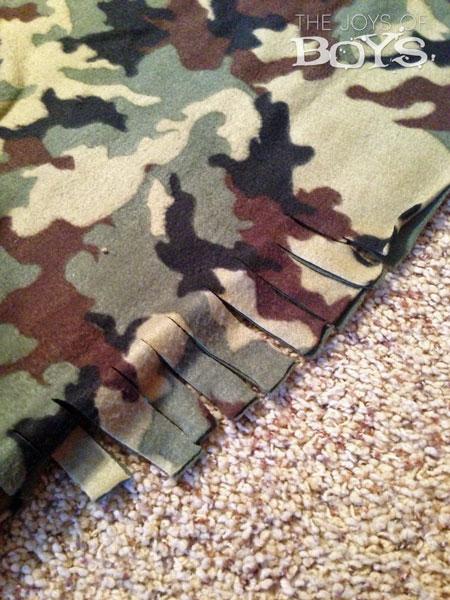 No-Sew Fleece Blanket