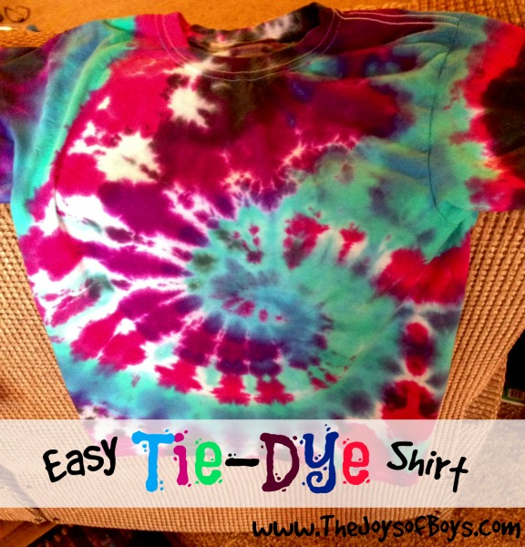 Tie dye shirt so easy a kid could make it for Making a tie dye shirt
