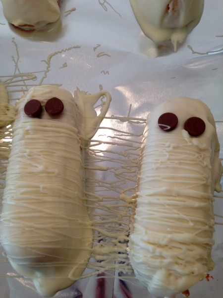Easy Mummy Treat Eyes