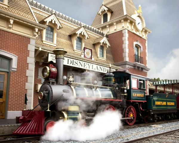 Things for boys to do at Disneyland