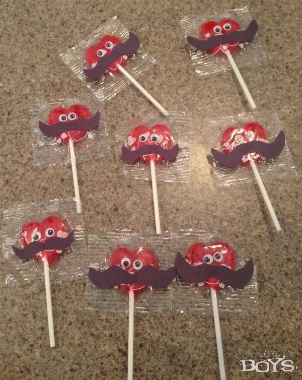 Mustache Valentine suckers