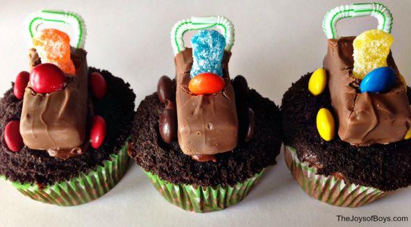 Racecar Cupcakes