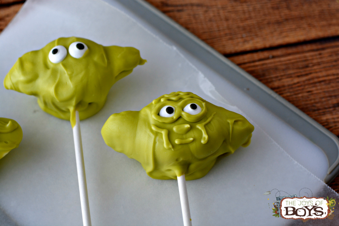 How to make Yoda marshmallows. Star Wars Marshmallow Pops