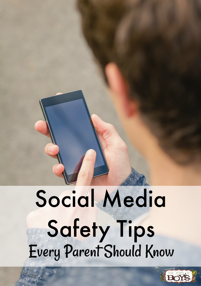Social Media Safety tips for parents. Advice for keeping kids safe online.